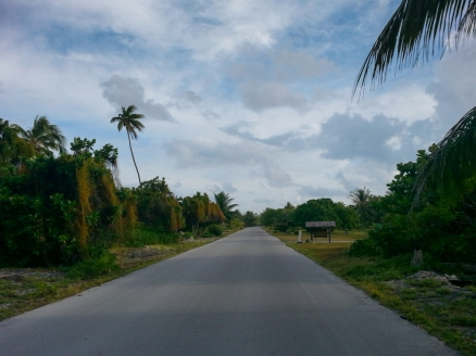Fakarava - the road